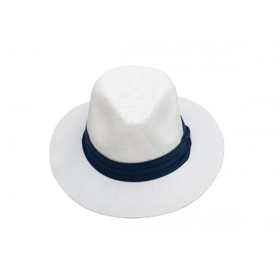 Мъжка шапка в бяло със синя лента