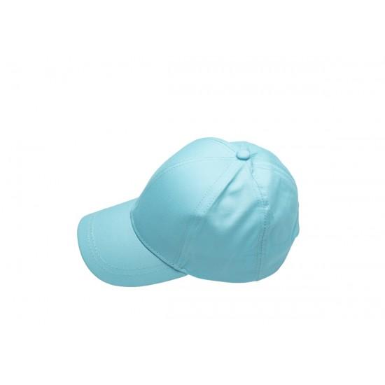 Детска шапка с козирка в светлосиньо