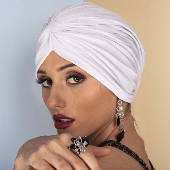 Дамски тюрбан в бяло