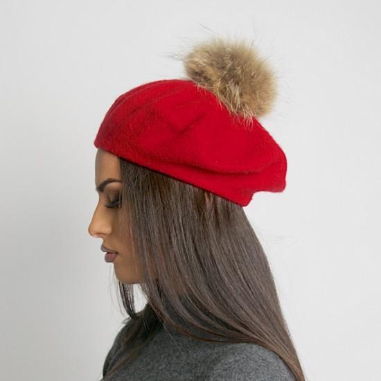 Дамска зимна барета червена естествен помпон