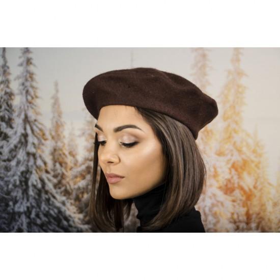 Дамска зимна барета кафява