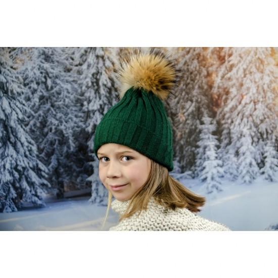 Детска зимна шапка за момичета в зелено