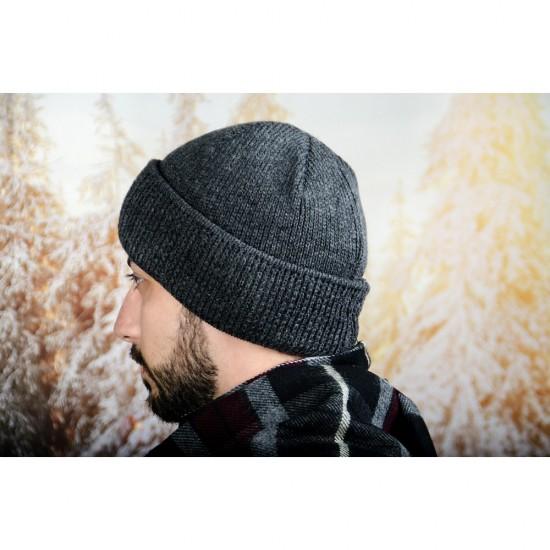 Тъмносива мъжка зимна шапка