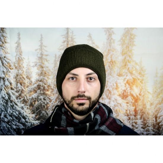 Масленозелена мъжка зимна шапка