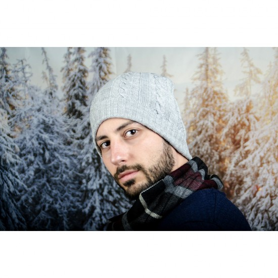 Сива плетена зимна мъжка шапка