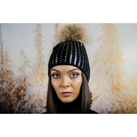 Черна дамска зимна шапка естествен пух звездички
