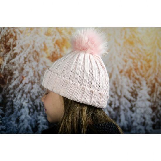 Бледорозова детска зимна шапка за момичета