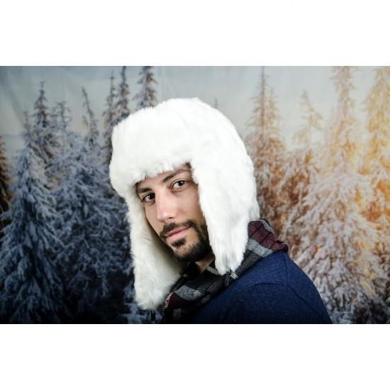 Бяла мъжка зимна ушанка