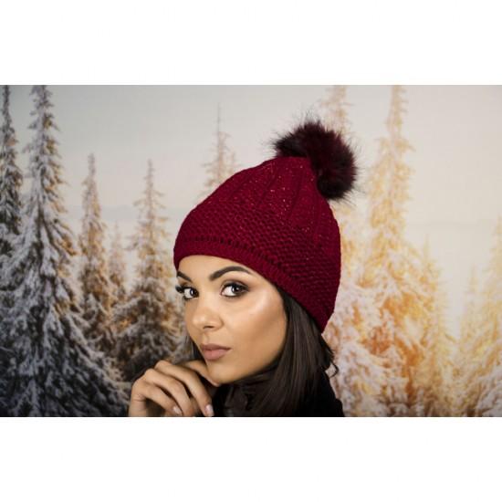 Дамска зимна шапка с еко пух бордо