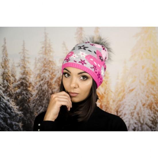 Дамска зимна шапка с еко пух розови и сиви цветя