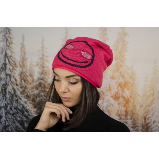 Дамска зимна шапка с емотикон в циклама