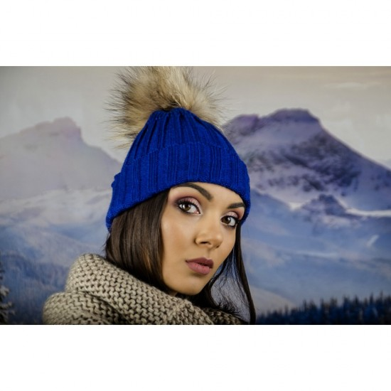 Дамска плетена зимна шапка синя