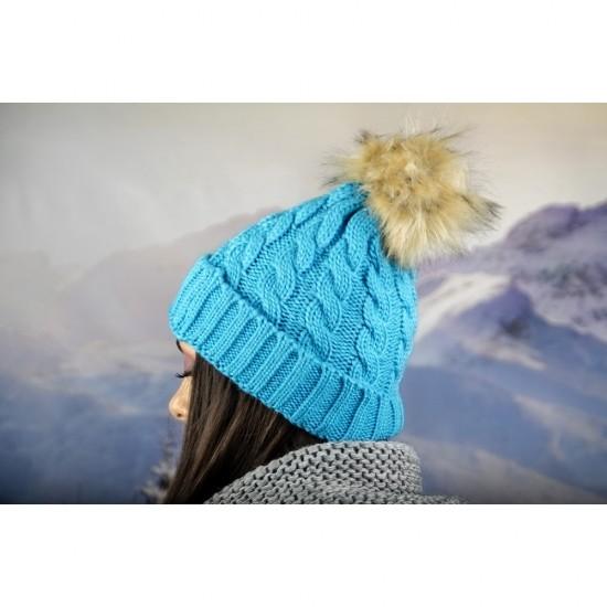Дамска зимна шапка светлосиня