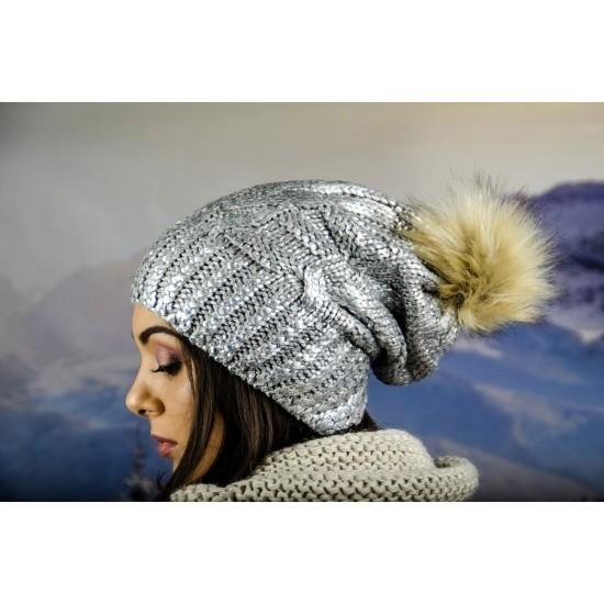 Дамска зимна шапка с лъскав ефект и еко помпон сива