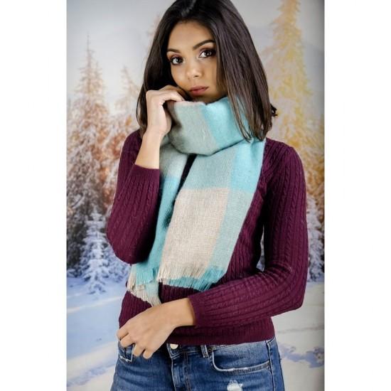Дамски зимен вълнен шал в светлосини нюанси
