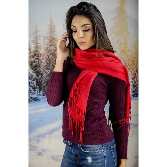 Светлочервен дамски шал едноцветен