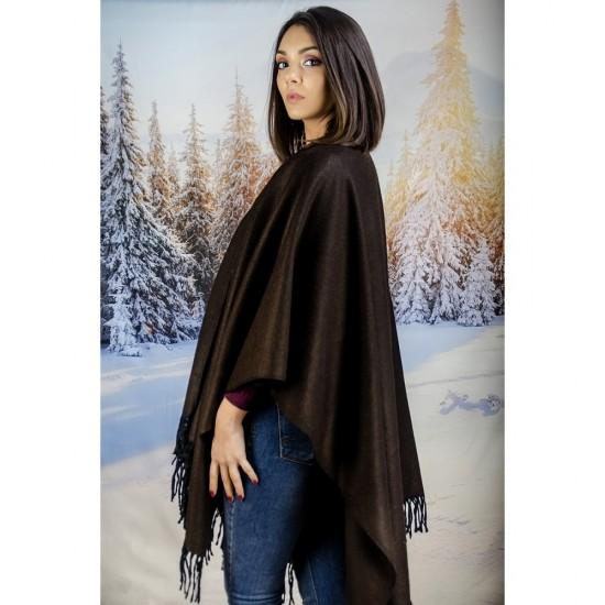 Изчистен дамски шал тип пончо кафяв