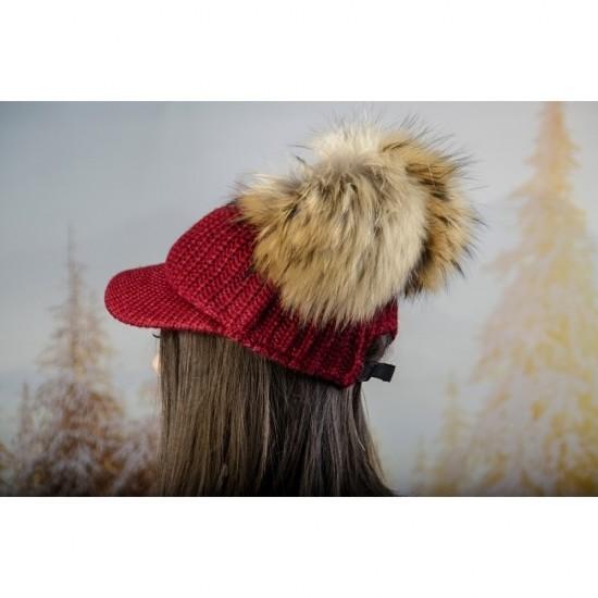 Плетена дамска шапка с козирка и два помпона в бордо