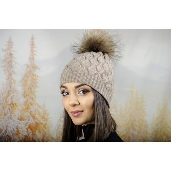 Зимна дамска шапка ангора в светлокафяво