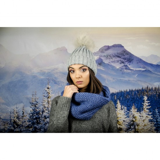 Дамски светлосин зимен шал тип яка