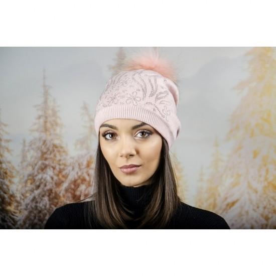 Дамска зимна шапка с полар в розово