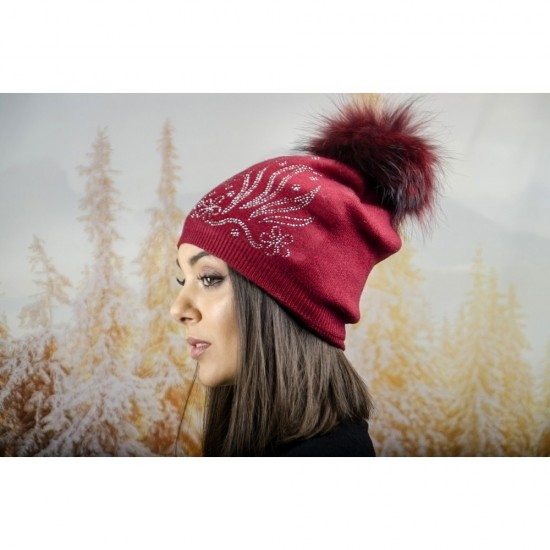 Дамска зимна шапка с полар в бордо