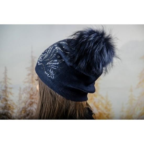 Дамска зимна шапка с полар в тъмносиньо