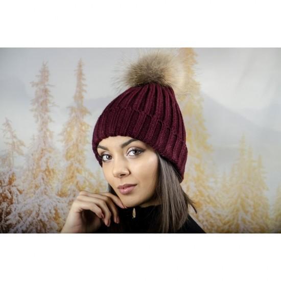 Дебела дамска плетена шапка в бордо