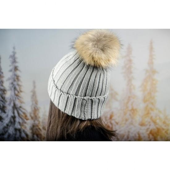 Дебела дамска плетена шапка в светлосиво