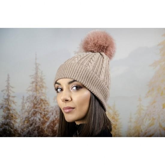 Зимна дамска шапка ангора с пух в светлокафяво