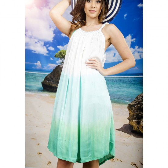 Плажна рокля в бяло и синьо-зелено