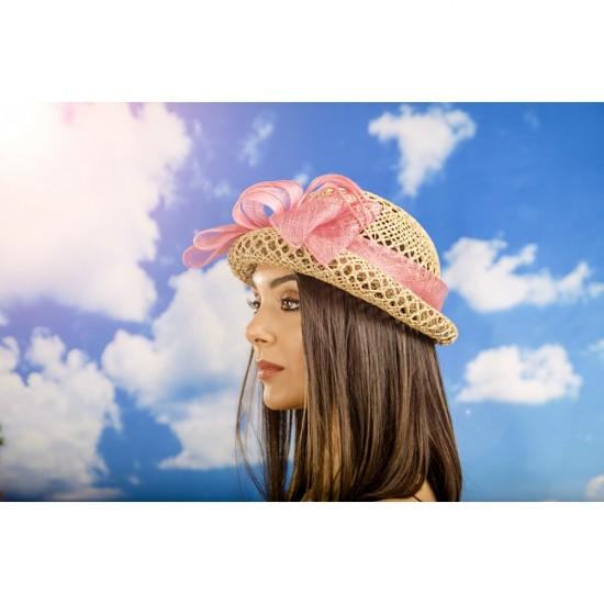 Дамска капела с панделка от бананова слама в розово