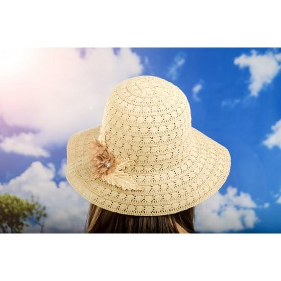 Дамска лятна шапка плетена с цвете