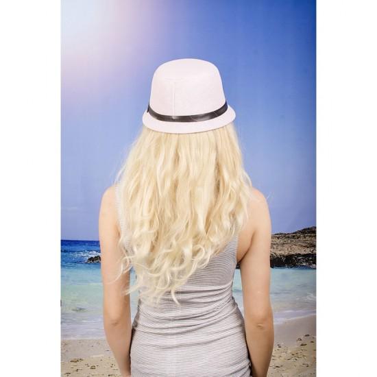 Бледорозова дамска шапка с малка периферия
