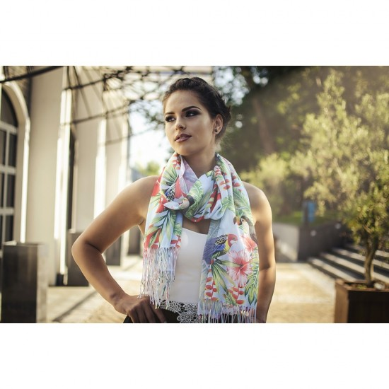 Дамски летен шал с тропически мотиви