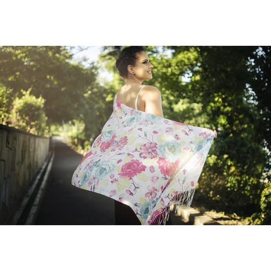 Дамски летен шал с цветя