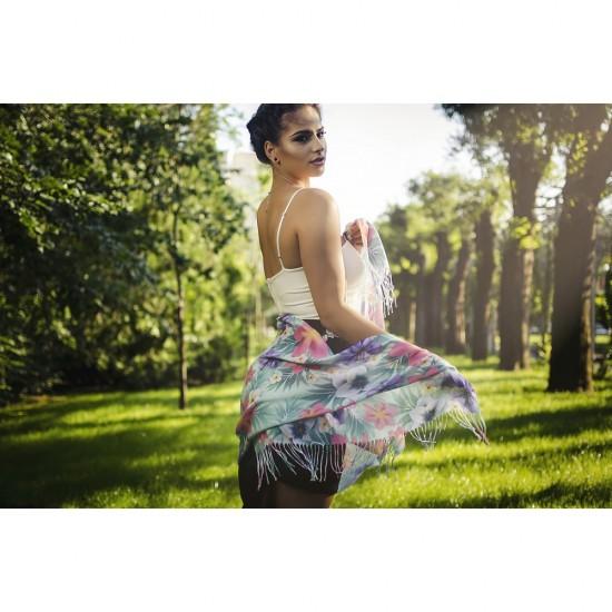 Дамски летен шал с тропически цветя различни