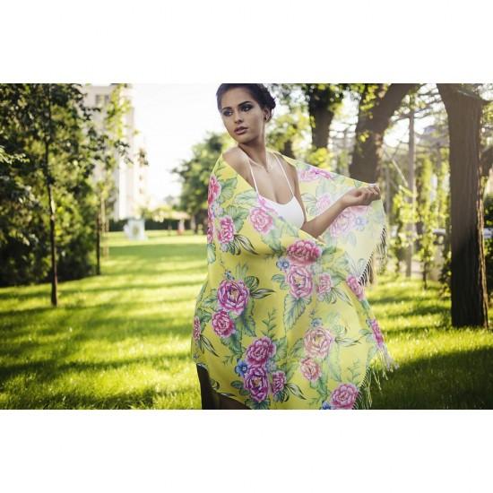Дамски летен шал с божури на жълт фон