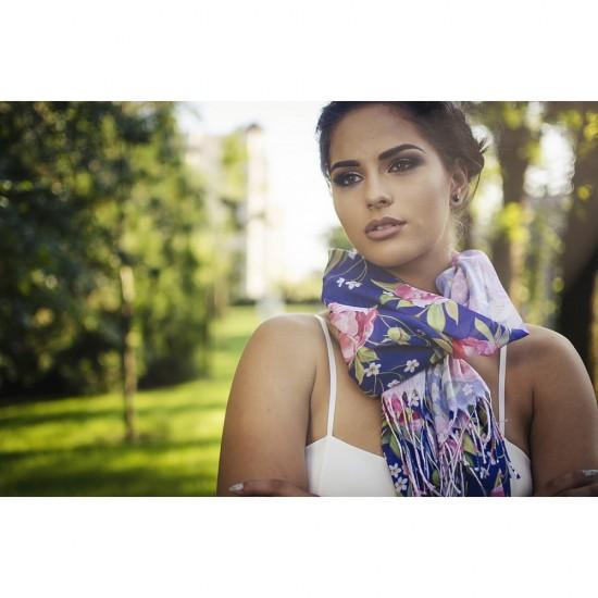 Дамски летен шал с божури на тъмнолилав фон