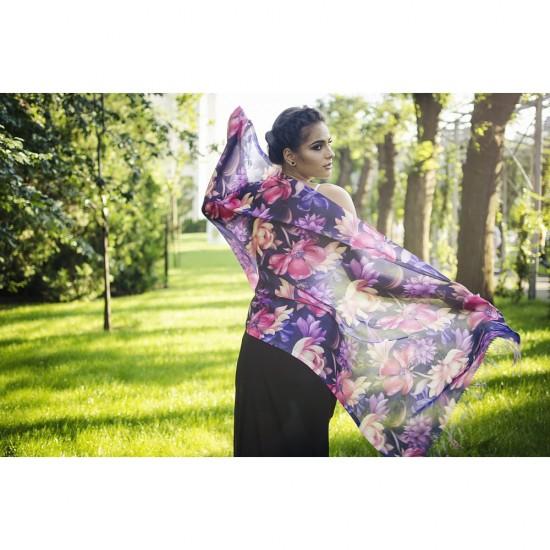 Дамски летен шал с тропически цветя на тъмнолилав фон