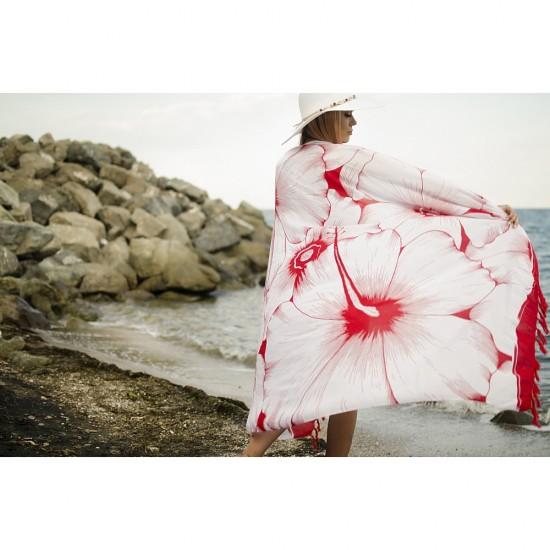 Плажен шал в бяло и червено на цветя