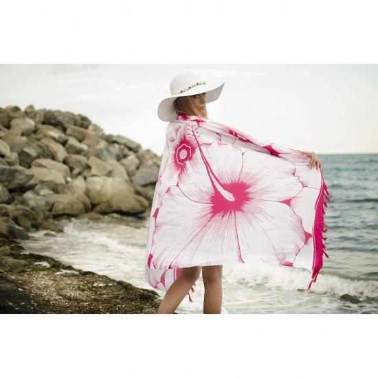 Плажен шал в бяло и циклама на цветя
