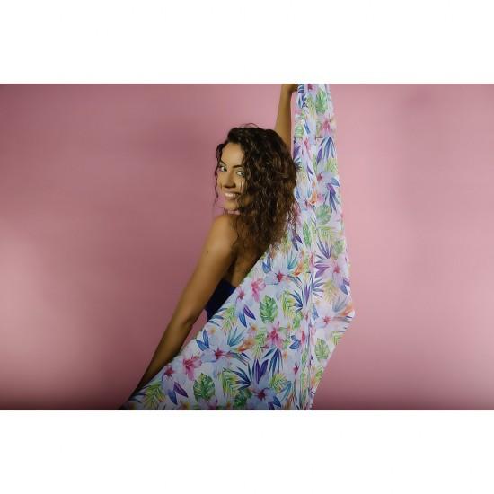Дамски летен шал с цветя в различни цветове