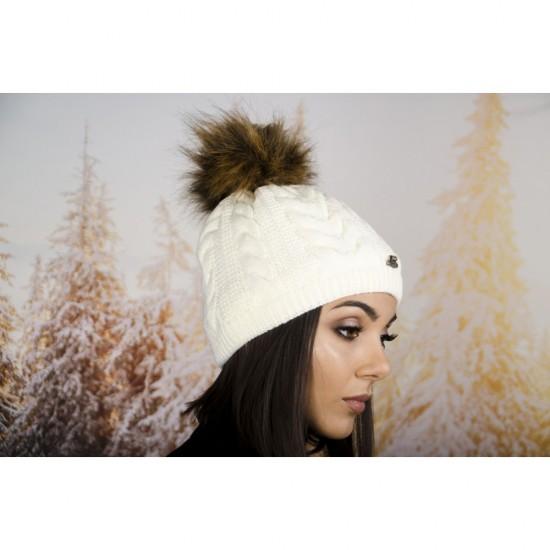Дамска зимна шапка с еко пух в бяло с кафяв помпон