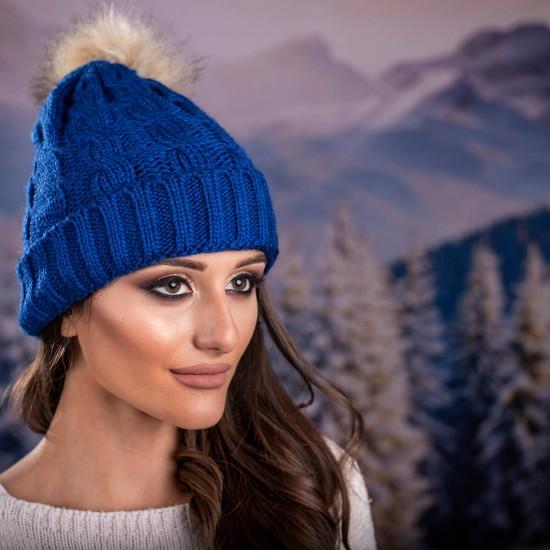 Дамска зимна шапка в тъмносиньо