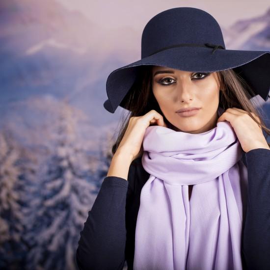 Дамски едноцветен шал светлолилав