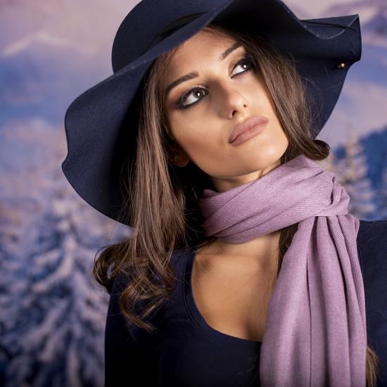 Дамски едноцветен шал лилав