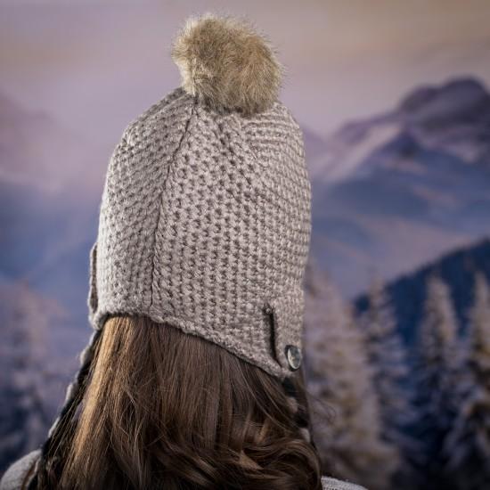 Дамска зимна шапка с дълги връзки в тъмнобежово