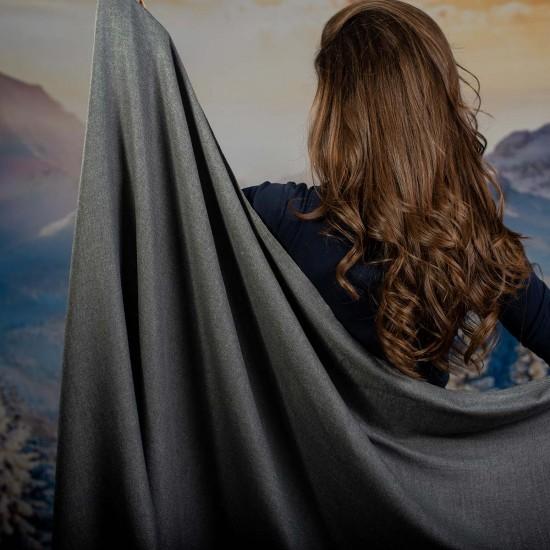 Дамски едноцветен шал в графит