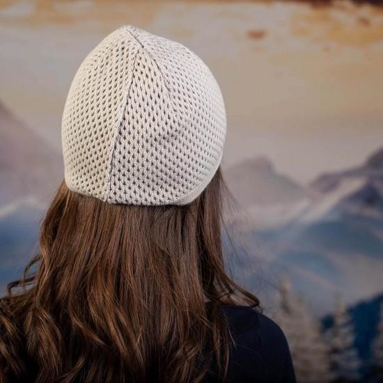 Сива дамска шапка